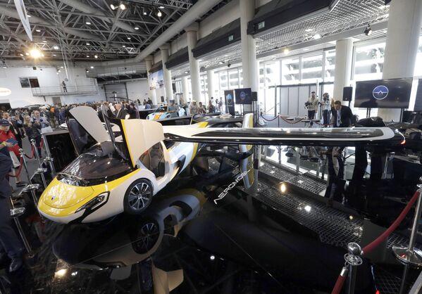 Les voitures volantes et drones taxis dans différents pays du monde   - Sputnik France
