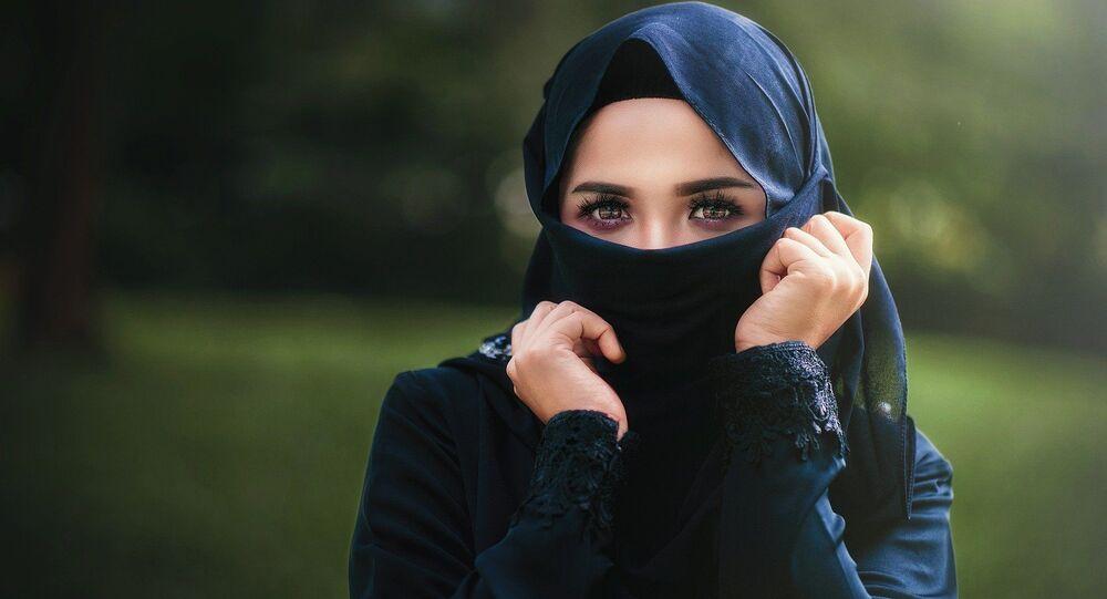 Une femme portant le niqab, image d'illustration
