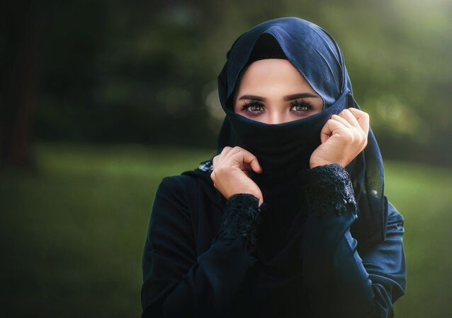 Une femme portant le niqab, image d'illustration