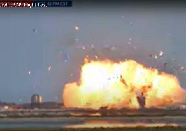 Le prototype Starship de SpaceX explose à l'atterrissage
