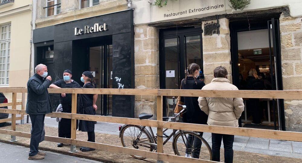 Restaurant parisien Le Reflet sert aux étudiants des repas à 1 euro