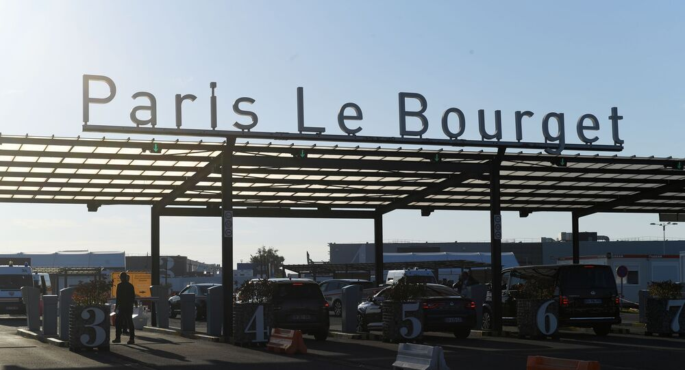 Entrée de l'aéroport Le Bouget, archives