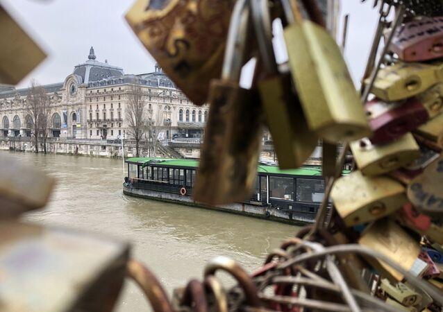 Musée d'Orsay. Fermeture du musée et la crue de la Seine.