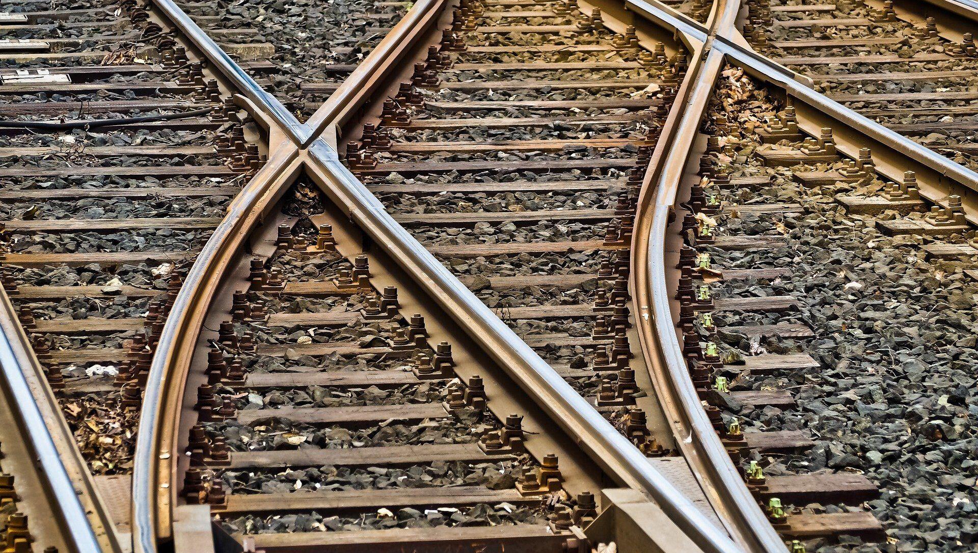 train gare rails - Sputnik France, 1920, 26.02.2021