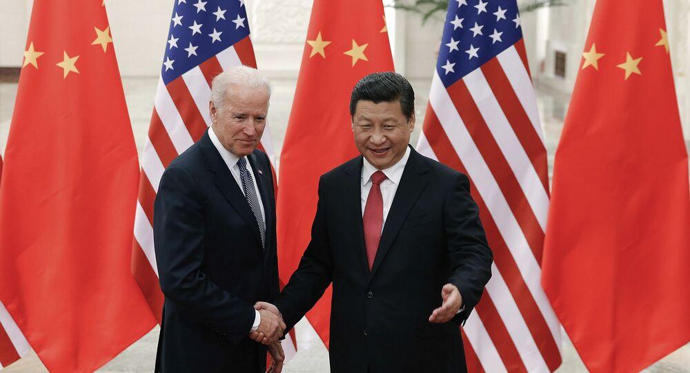 Xi Jinping et Joe Biden le 4 décembre 2013 à Pékin (AP Photo/Lintao Zhang)