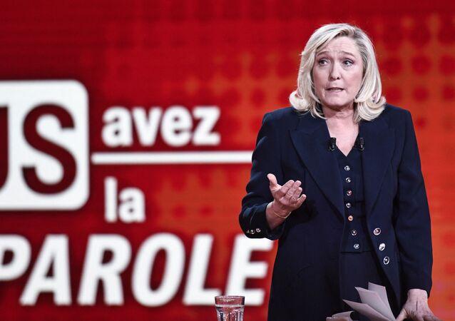 Marine Le Pen lors de son débat avec le ministre de l'Intérieur, Gerald Darmanin, le 11 février 2021