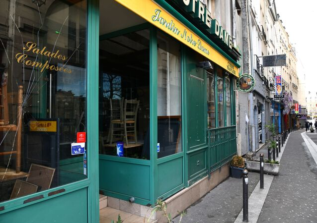 Café fermé à cause des mesures restrictives à Paris