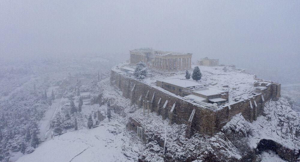 Une chute de neige à Athènes, le 16 février 2021