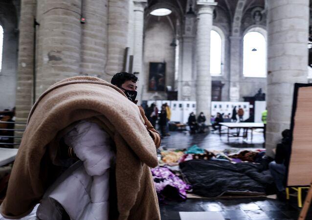 Les sans-papiers occupent l'église du Beguinage à Bruxelles