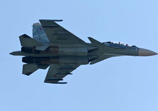 Un Su-27, archives