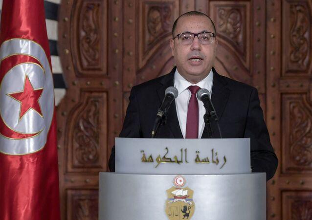 Hichem Mechichi, le chef du gouvernement tunisien, annonce un remaniement ministériel, le 16 janvier 2021.