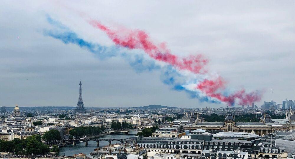 La patrouille de France a défilé dans le ciel de Paris, le 14 juillet.