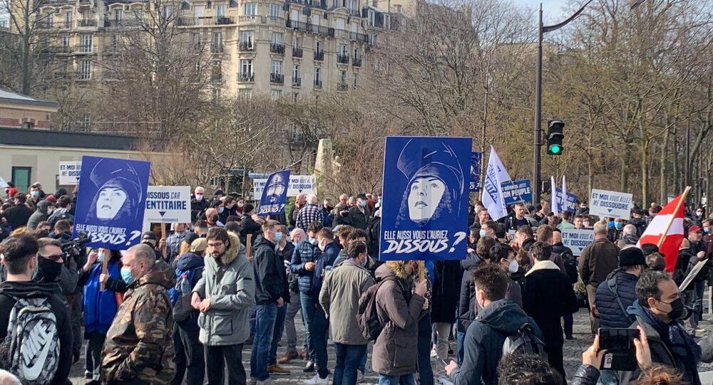 Les membres de Génération identitaire se rassemblent à Paris pour protester contre sa dissolution, 20 février 2021