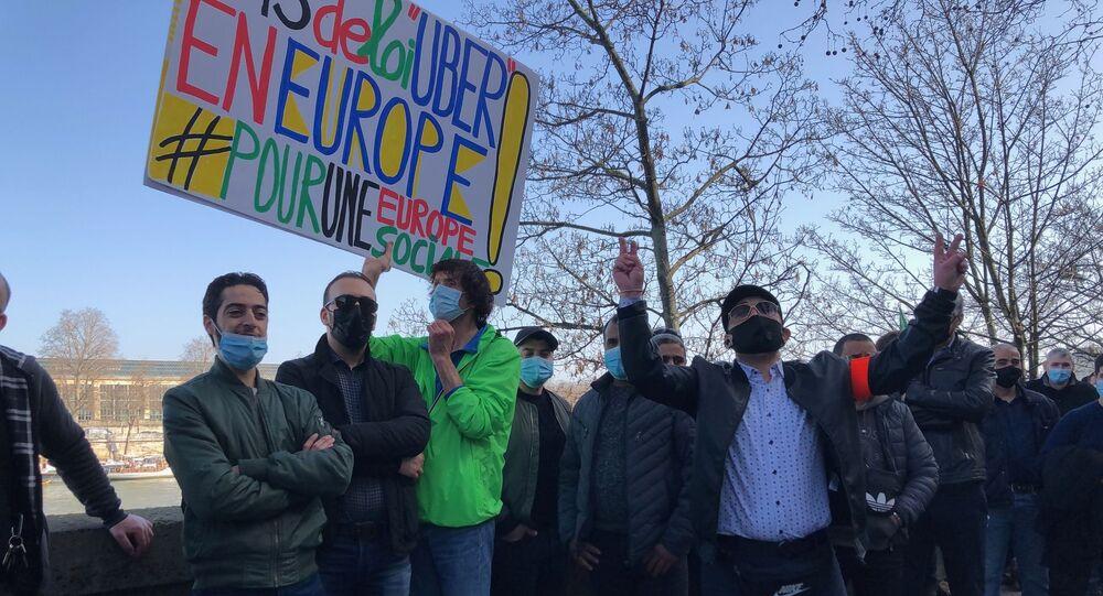 Manifestation des chauffeurs VTC contre la loi Uber, le 24 février 2021 à Paris