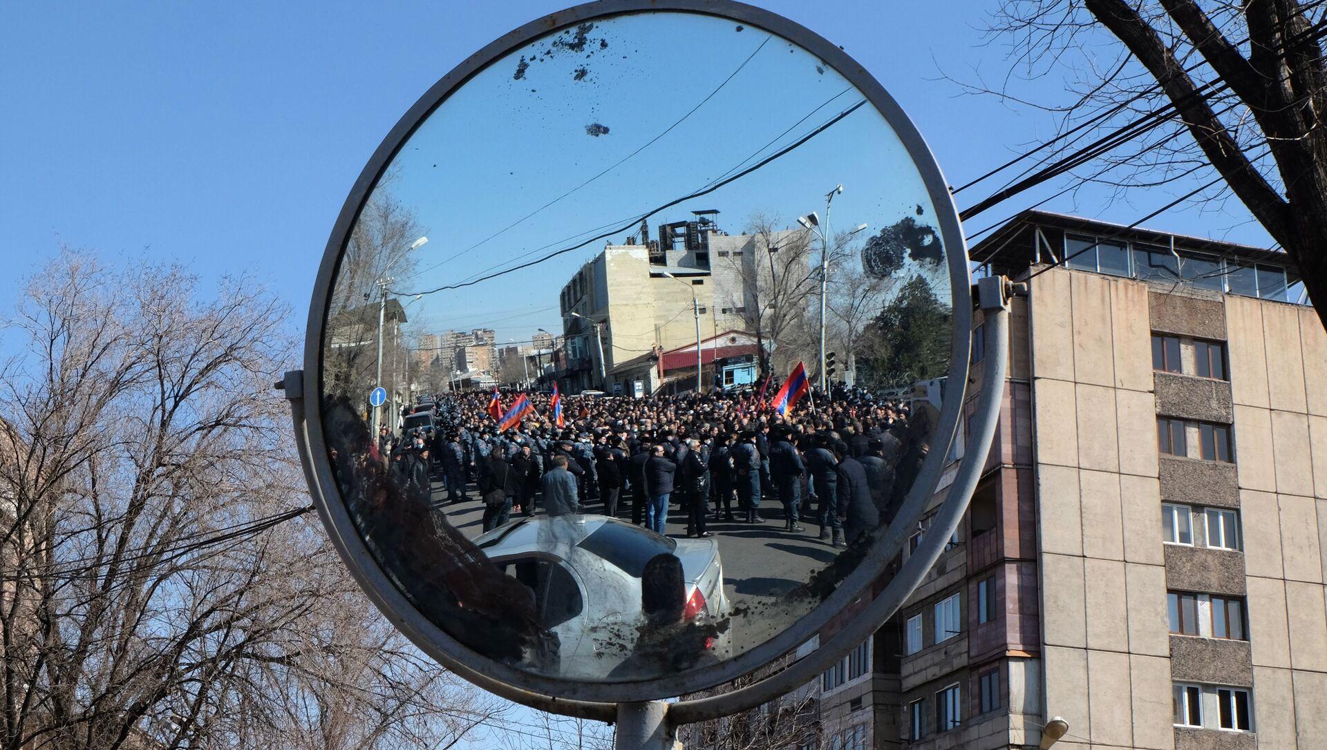 Une manifestation de l'opposition à Erevan, le 26 février 2021 - Sputnik France, 1920, 26.02.2021