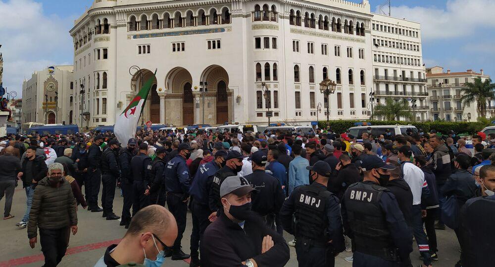 Important dispositif policier lors de la marche du vendredi 26 février à Alger.