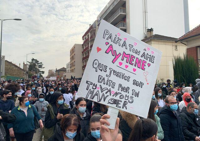 Marche blanche en mémoire d'Aymane, adolescent de 15 ans tué par balle à Bondy, le 3 mars 2021
