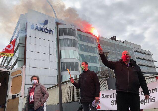 Manifestation devant le siège du Sanofi, Vitry-sur-Seine le 4 mars 2021