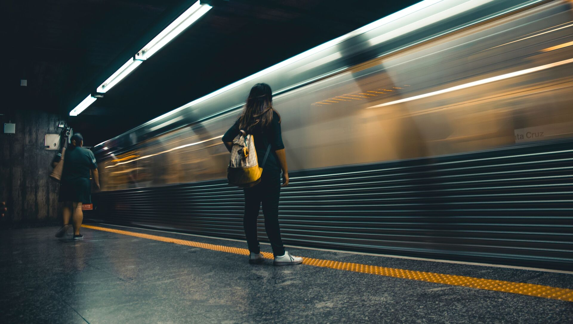 Une femme dans le métro - Sputnik France, 1920, 05.03.2021