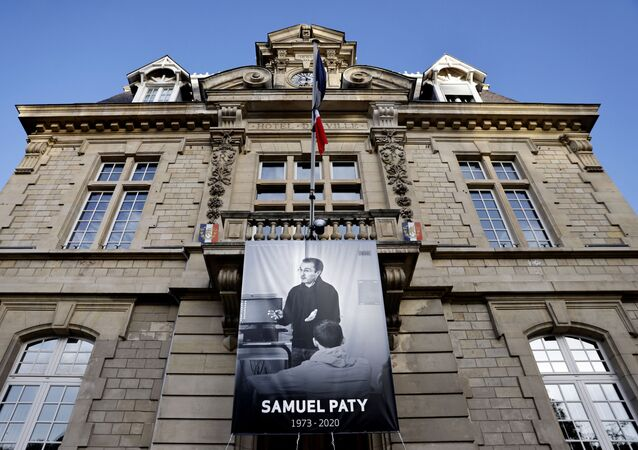 Affiche en mémoire de Samuel Paty