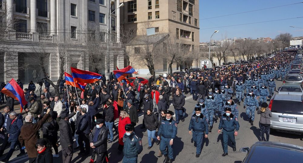 Manifestation de l'opposition pour demander la démission de Nikol Pachinian à Erevan, le 26 février 2021