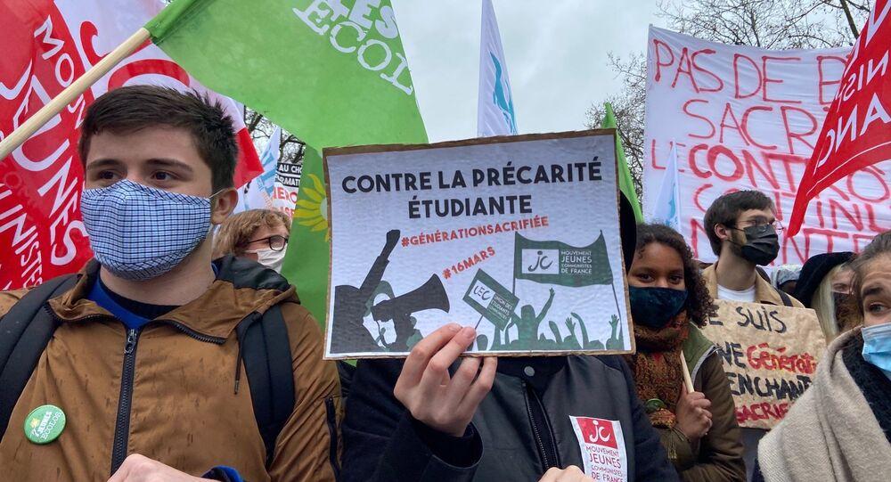 Manifestation étudiante contre la précarité à Paris