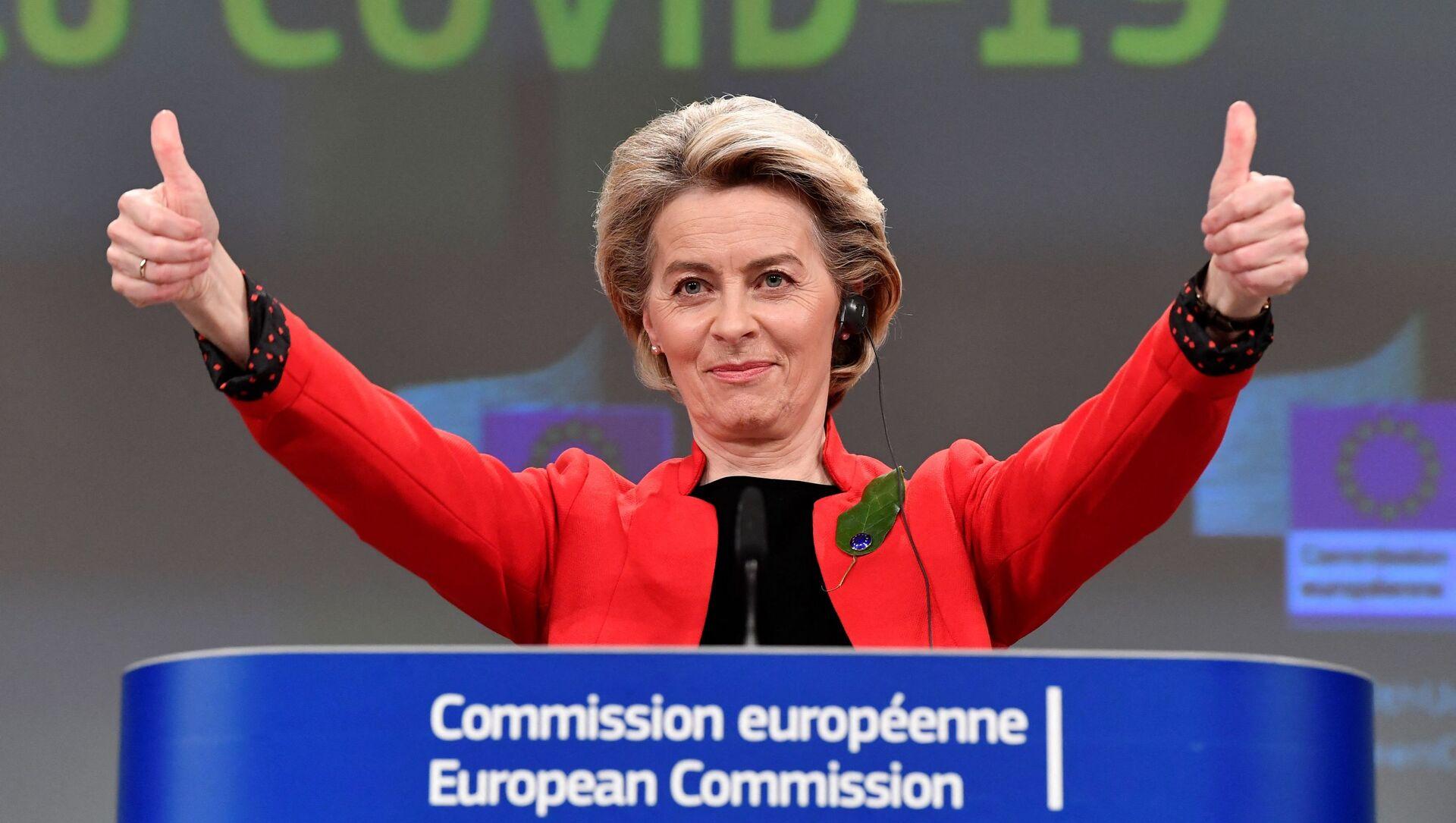 La présidente de la Commission européenne, Ursula von der Leyen, s'exprime à la suite d'une réunion du collège sur le certificat commun de vaccination Covid-19 de l'UE - Sputnik France, 1920, 27.07.2021