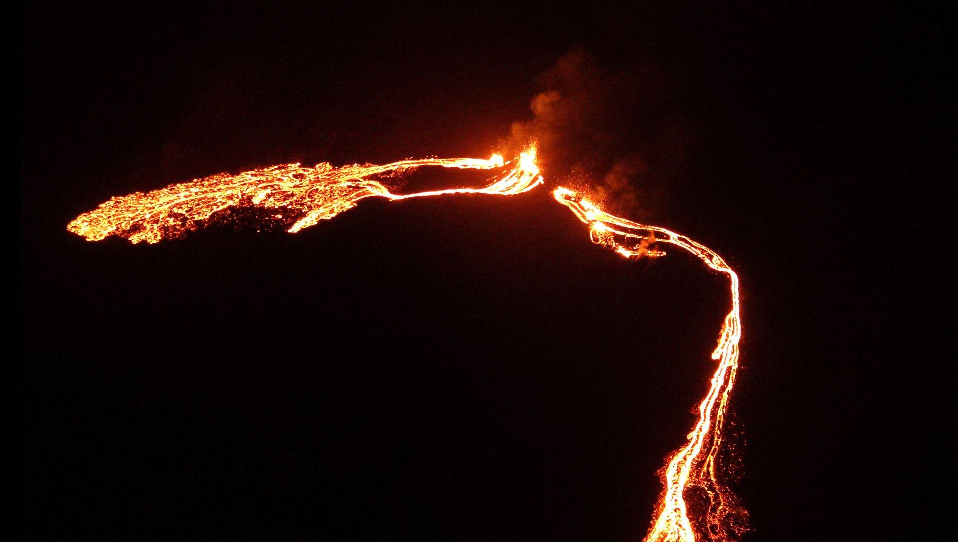 Une éruption volcanique près de Reykjavik - Sputnik France, 1920, 20.03.2021