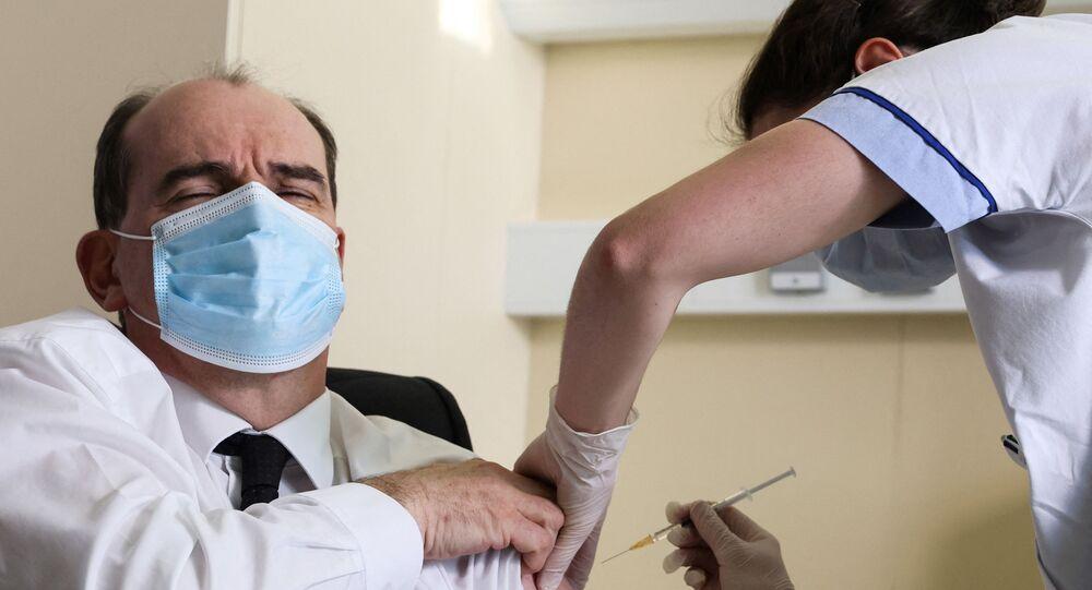 Jean Castex reçoit une dose du vaccin d'AstraZeneca