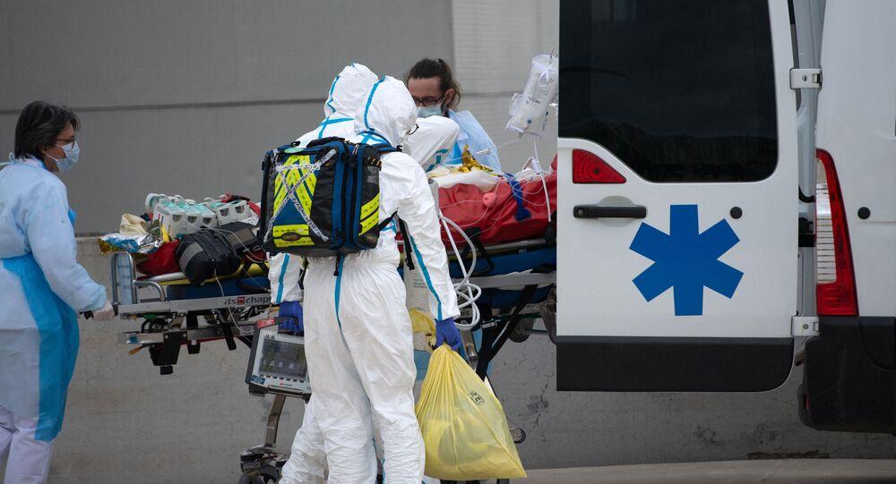 Une ambulance, image d'illustration
