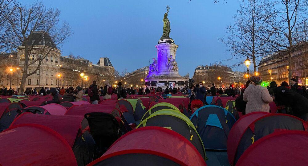 Campement de migrants Place de la République à Paris