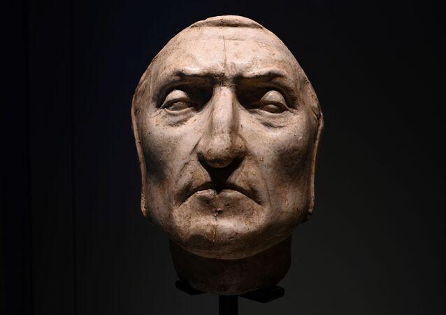 Masque de Dante Alighieri pour les 700 ans de l'anniversaire de sa mort (Florence )