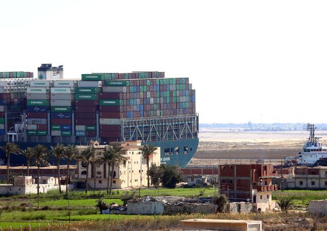 L'Ever Given dans le canal de Suez