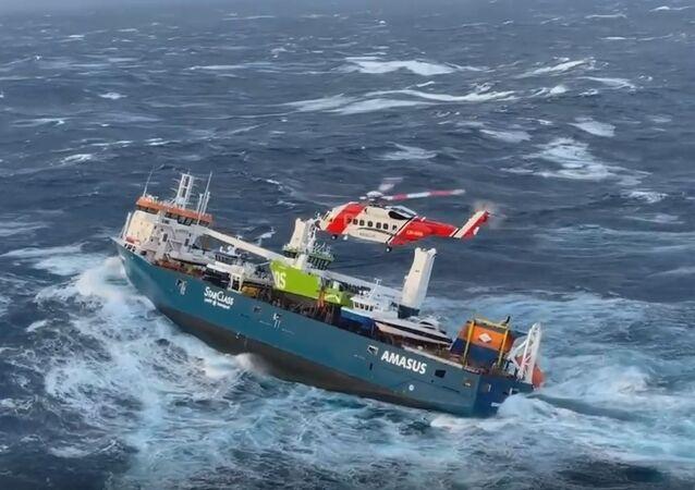 Sauvetage de l'équipage d'un cargo hors de contrôle en mer de Norvège