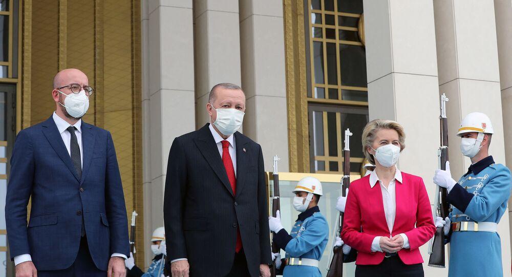 Recep Tayyip Erdogan, Charles Michel et Ursula Von der Leyen