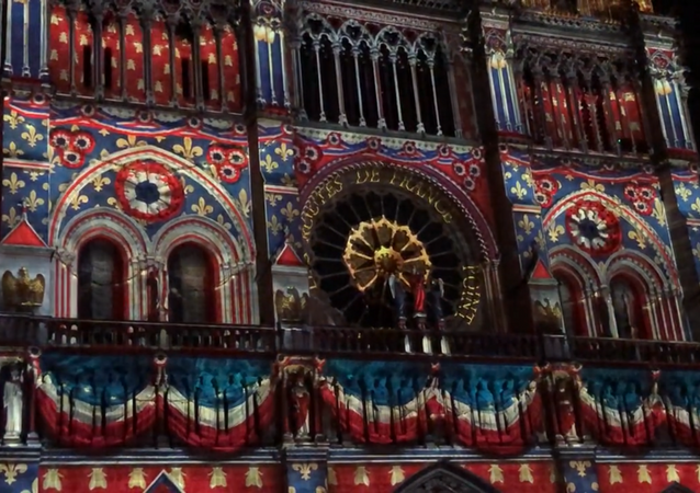 Un spectacle son et lumière sur la façade de Notre-Dame de Paris, 2018