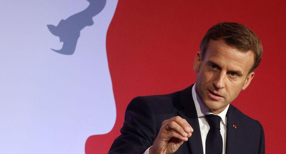 Emmanuel Macron lors de son discours contre le séparatisme aux Mureaux