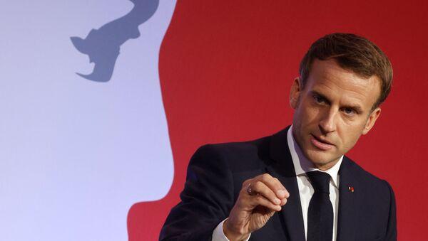 Emmanuel Macron lors de son discours contre le séparatisme aux Mureaux, le 2 octobre 2020 - Sputnik France