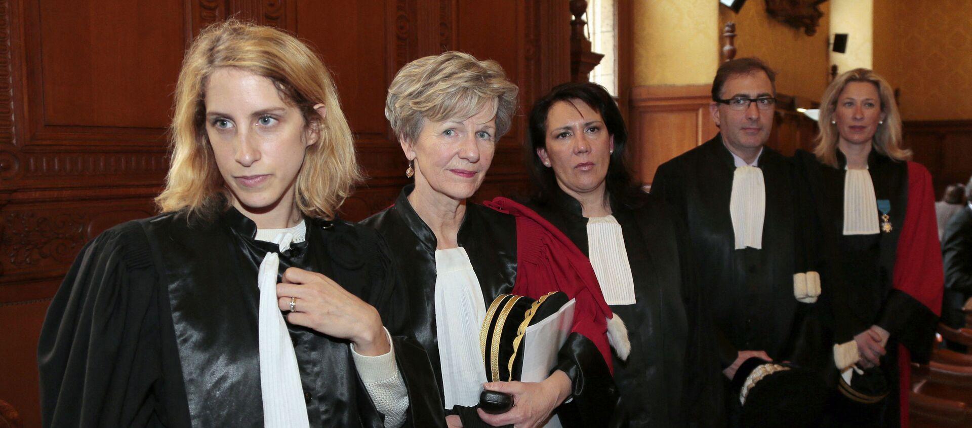 Le Parquet National Financier: de gauche à droite, la magistrate Ariane Amson, la procureur Eliane Houlette, les vice-procureurs Monica d'Onofrio et Patrice Amar, et la procureur Lovisa-Ulrika Delaunay-Weiss, le 3 mars 2014. - Sputnik France, 1920, 10.04.2021