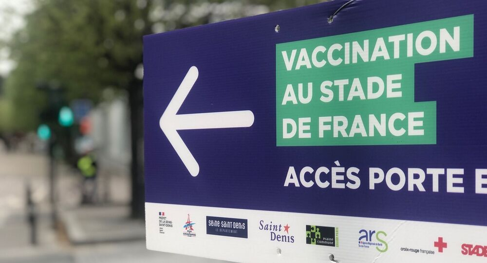 Le centre de vaccination au Stade de France