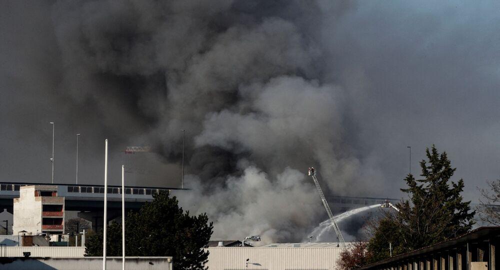 Incendie dans un entrepôt d'Aubervilliers, le 16 avril 2021
