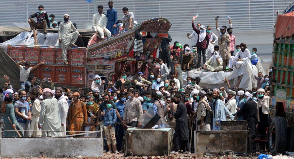 Des partisans du parti islamiste Tehreek-e-Labbaik Pakistan (TLP)