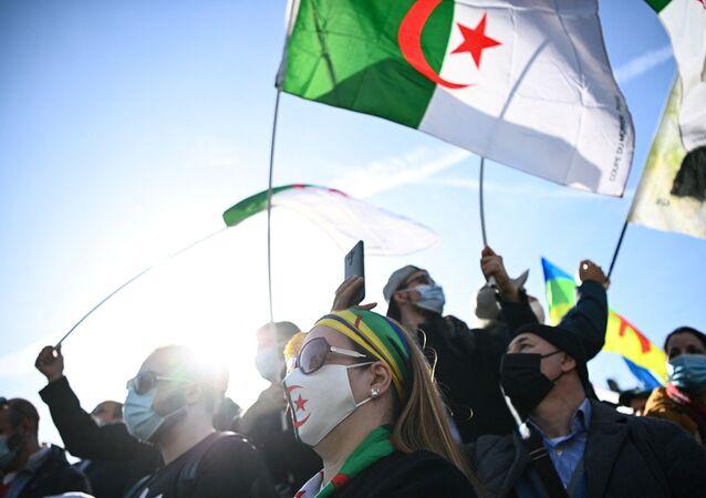 Manifestation pro-Hirak algérien à Paris, février 2021