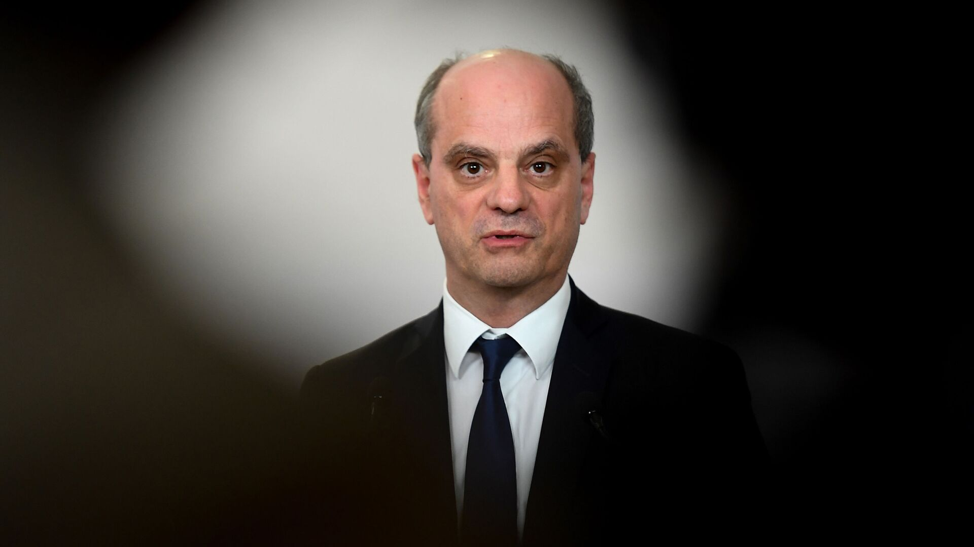 French Education Minister Jean-Michel Blanquer speaks on the coronavirus measures after the weekly cabinet meeting during a press conference at the Hotel Matignon in Paris, Thursday, May 7, 2020. France is easing the Covid-19 lockdown measures on May 11. (Christophe Archambault/Pool Photo via AP) - Sputnik France, 1920, 02.09.2021