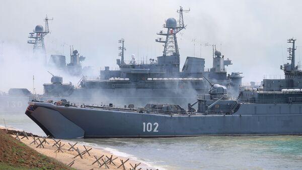 Des exercices militaires en Crimée, avril 2020 - Sputnik France