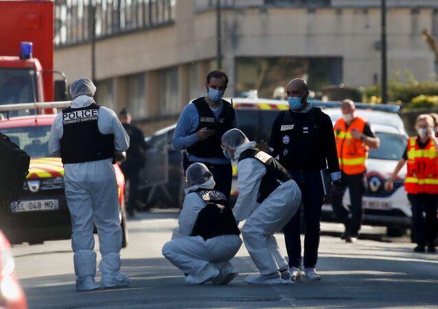 Policiers à Rambouillet après l'attentat au couteau contre la policière Stéphanie M., 23 avril 2021