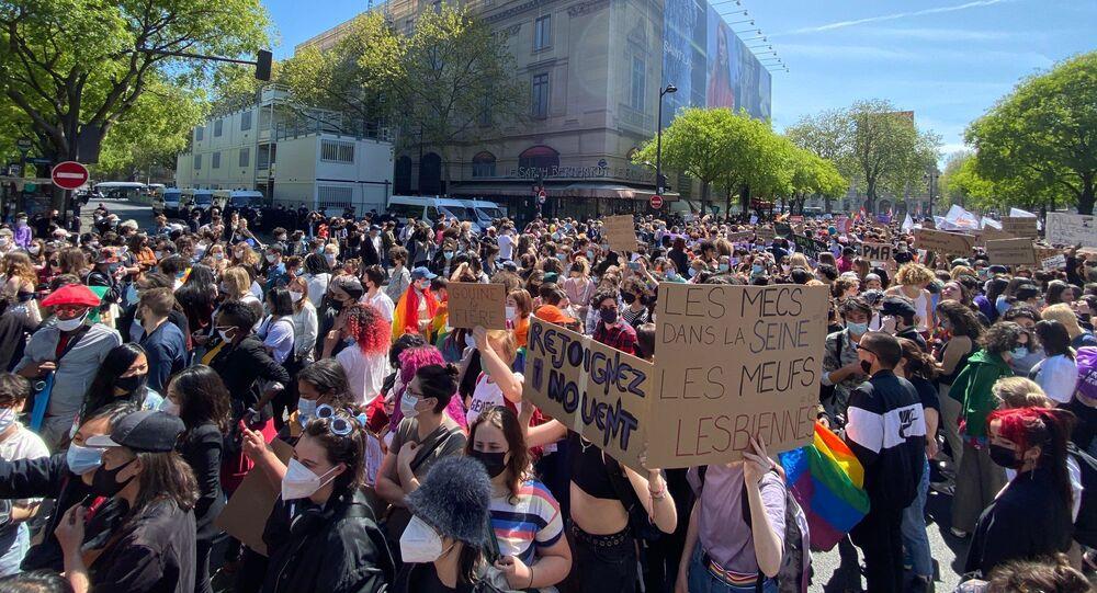 PMA pour toutes: marche pour défendre les droits des lesbiennes à Paris