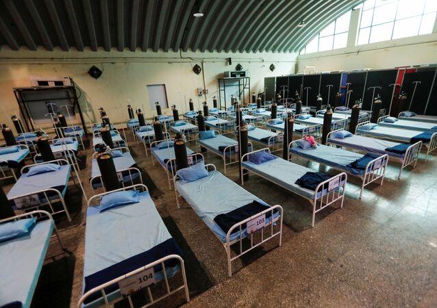 Des lits dans un établissement de traitement des patients atteints de Covid-19 à Bombay, le 13 avril 2021
