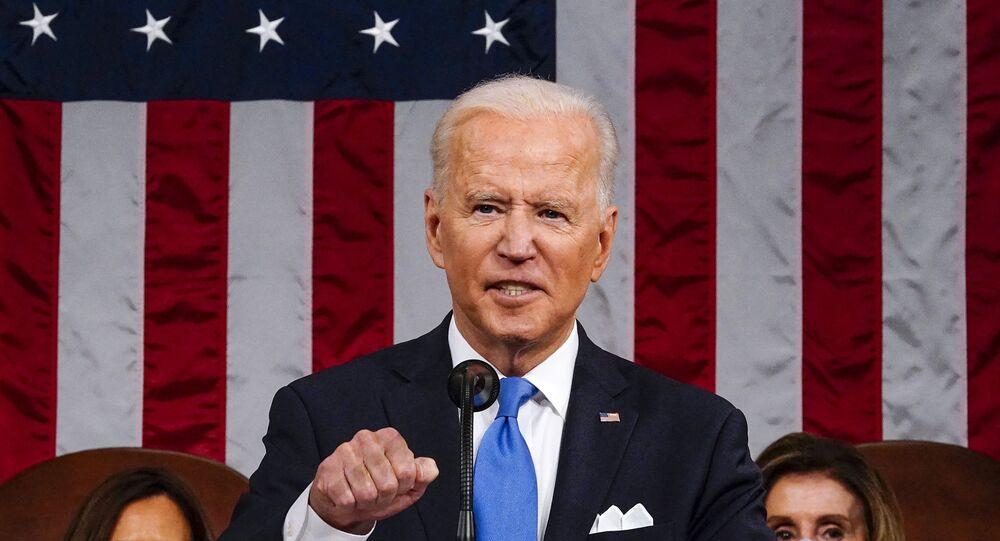 Le Président américain Joe Biden prononce un discours devant le Congrès, le 28 avril 2021