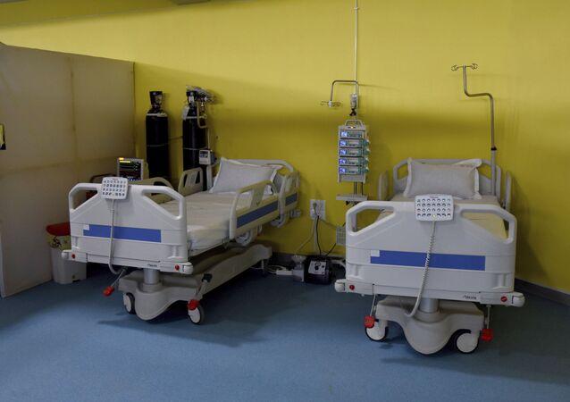 Un hôpital de campagne installé dans une salle de sport du quartier El-Menzah de Tunis, le 14 mai 2020